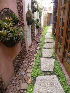 57 best farmhouse side yard decor and design idea 04 ~ Litledress Courtyard Design, Garden Design, Garden Stepping Stones, Side Yards, Garden Images, Brick Patios, Garden Paths, Backyard Landscaping, Beautiful Gardens