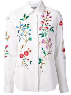 Oscar de la Renta floral embroidered shirt 2019 clothing clothing labels clothing patches clothing wholesale flower clothing fly shirts shirts for ladies shirts sunshine coast style clothing tee shirts clothing Sommer Garten Hochzeits Kleider Floral Embroidery, Embroidery Designs, Chemises Country, Cloth Flowers, Clothing Patches, Embroidered Clothes, Clothing Labels, Beautiful Blouses, Fashion Sketches