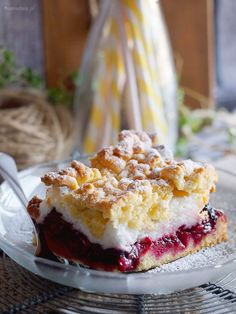 Delicious cake with buttery crust, cherry filling and meringue.(In English and Polish) Polish Desserts, Polish Recipes, Polish Food, Merangue Cake, Cake Recipes, Dessert Recipes, Diet Recipes, Ukrainian Recipes, Tea Cakes