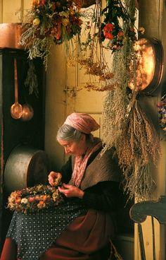Tasha Tudor making a wreath!  So awesome ...<3