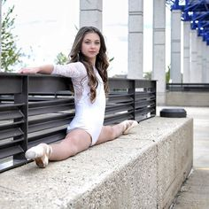 """""""Excellence means when a man or woman asks of himself more than others do."""" - Jose Ortega y Gasset Ballet Girls, Ballet Dancers, Flexibility Dance, Ballet Dance Photography, Dance Photo Shoot, Gymnastics Poses, Elegantes Outfit, Dance Poses, Ballet Beautiful"""
