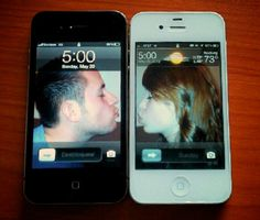 iPhone Kissing.