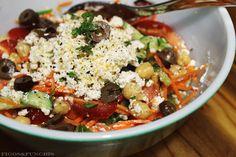 Salada Grega com Ricota e Grão-de-bico | Blog Figos & Funghis