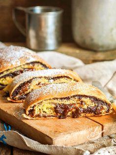 Strudel of bananas and figs - Lo Strudel di banane e fichi: una ricetta dolce e saporita assolutamente da provare, grazie alla quale potrete preparare un dessert stuzzicante e insolito.