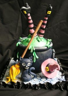 Witch Cake - For all your Halloween cake decorating supplies, please visit http://www.craftcompany.co.uk/occasions/halloween.html
