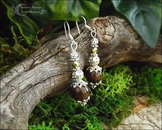 ᘛ Voile minéral ᘚ Boucles en grands Oeil de tigre, verre de bohème facetté et perles argentées : Boucles d'oreille par atelier-bijoux-legendaires