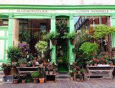 Vandaele Florist   Bruges- love how inviting...