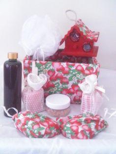 Bathroom Gift Basket - Strawberry