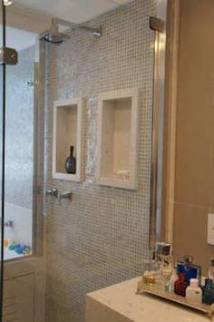 Salle de bain de style de style Moderne par Triple Arquitetura