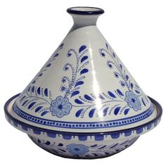 Beautiful Tagine....I WILL learn to cook Morroccan food. Someday. #tangine is Maghrebi crockpot!