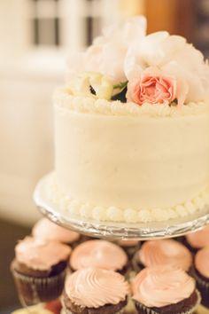wedding cake on a budget