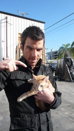 Zachary Quinto (A.,Heroes,Star Trek) with cat, from Celebrities With Cats Zachary Quinto, Zachary Levi, Celebrities With Cats, Celebs, Spock, Crazy Cat Lady, Crazy Cats, Men With Cats, Amor Animal
