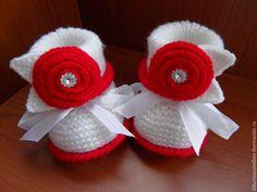 Купить Комплект для девочки - ярко-красный, однотонный, красно-белый, пинетки вязанные, пинетки спицами