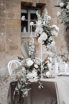 Floral Centerpieces, Centrepieces, Flower Decorations, Table Decorations, Flower Studio, New Green, Wedding Sets, Flower Designs, Boho Fashion
