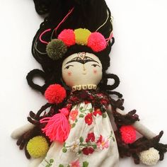 Next beautiful Frida doll is ready in my etsy shop 😄 link bio in profil 😄 #thedollsunique #handmadedoll #clothdolls #dollmaker #bohemian #fridadoll #fridakahlodoll #clothdollartist #instadoll #dollsofinstagram #colorfullife #diego #vivalavida #folkgood #artistdoll #ooak #unique #goodvibes #folkgood #artdoll