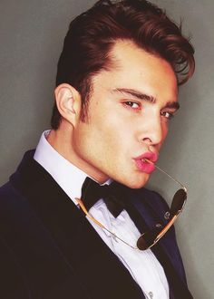chuck bass.. Oh dear god