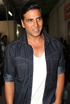 Akshay Kumar admits making mistakes!