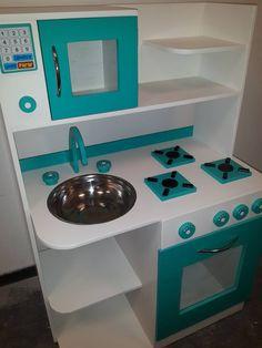 cocinita infantil de juguete casita cocina de madera fabrica Cardboard Kitchen, Cardboard Toys, Barbie Furniture, Kids Furniture, Dollhouse Furniture, Diy Kids Kitchen, Toy Kitchen, Wooden Baby Toys, Wood Toys