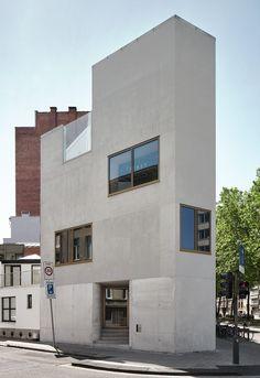 Vermeiren - De Coster Architecten - DC-V house and studio, Antwerpen 2013. Via, photos © Dennis de Smet, Niels Donckers. [[MORE]]
