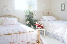 Sweet Young Journey: Guest Post at Dreamy Whites Christmas Bedroom, Christmas Time, Christmas Girls, Cottage Christmas, Childrens Christmas, Christmas Stocking, White Christmas, Christmas Ideas, Girls Bedroom