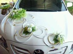 Wedding Cars and The Decoration Hochzeitsautos und die Dekoration Wedding Car Decorations, Flower Decorations, Wedding Car Hire, Diy Wedding, Wedding Ideas, Floral Wedding, Wedding Flowers, Bridal Car, Deco Floral