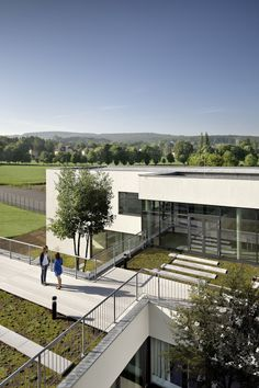 SHIBUKAWA EDER Architects, Kurt Kuball · SENIOR HIGH SCHOOL NEULENGBACH · Divisare