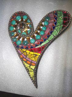 New mosaic heart design Mosaic Rocks, Mosaic Crosses, Stone Mosaic, Mosaic Glass, Glass Art, Stained Glass, Pebble Mosaic, Mosaic Crafts, Mosaic Projects