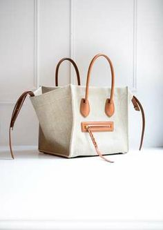 FOR INSPIRATION  modern with the Hepburn graphic sand: natural canvas bag Celine.