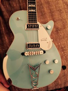 """Gretsch Motor City PenguinModel G6134-MCBL-FSRS/N JT14104255  Gretsch fanatics know these guitars - This is 1 of the 8 """"Blue Top"""" Motor City Penguins produced in 2014 that went viral on..."""
