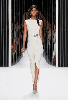 I need a reason to wear this. SS13 Catwalk - Jenny Packham