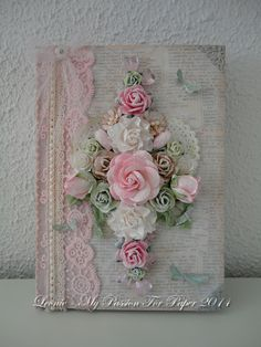 Shabby chic cards ideas book covers New ideas Shabby Chic Karten, Shabby Chic Cards, Book Crafts, Paper Crafts, Diy Crafts, Altered Composition Books, Fabric Journals, Ribbon Embroidery, Bookbinding