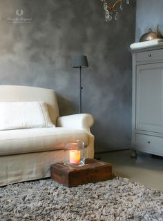 Fresco lime paint - kalkverf in the living room - woonkamer. Colour Thunder Sky. Cred: De Potstal. www.pure-original.com of www.pure-original.nl