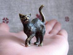 Bronze Cat figurine, small bronze figures, Cat miniature, collectible cat figurine, Cute pussy cat souvenir, metal cat statuette, copper cat