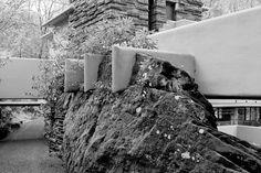 Brunner Sanina - Frank Lloyd Wright - Falling Water House - Mill Run, USA - 1966 - photo by Ori Rittenberg Frank Lloyd Wright Buildings, Frank Lloyd Wright Homes, Falling Water House, Falling Waters, Architecture Details, Modern Architecture, School Architecture, Falling Water Frank Lloyd Wright, Adams Homes
