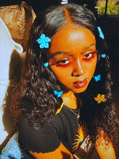 Afro Punk Fashion, Curly Hair Styles, Natural Hair Styles, Alternative Makeup, Photoshoot Themes, Creative Makeup Looks, Aesthetic People, Black Girl Aesthetic, Aesthetic Makeup