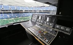 How Detroit's Pontiac Silverdome became the ghost stadium of ...