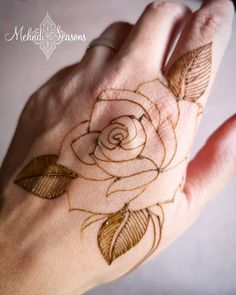Recently I have been enjoying doing roses while practicing henna. 🥀 Swipe right to the next pic to see this rose complete with a little… Floral Henna Designs, Indian Henna Designs, Henna Art Designs, Mehndi Designs For Beginners, Modern Mehndi Designs, Dulhan Mehndi Designs, Mehndi Design Pictures, Wedding Mehndi Designs, Mehndi Designs For Fingers