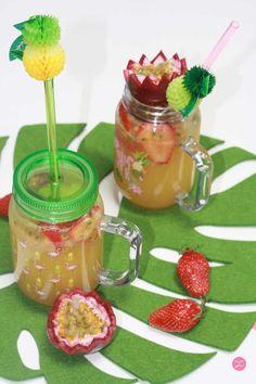 Cocktail de fruits à la menthe - Sans alcool - Bataille Food #45 Milk Shakes, Cocktail Fruit, Cocktails, Sorbets, Sangria, Mason Jars, Mugs, Tableware, Desserts