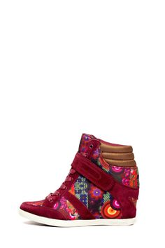 Desigual Women's Suny wedge trainers. Very colorful and comfortable.