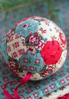 Bolinhas de decoração em patchwork embutido