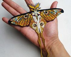 Comet moth embroidered patch - Madagascan moon moth embroidered patches size inch X 6 inch Embroidery Art, Cross Stitch Embroidery, Embroidery Patterns, Beautiful Bugs, Beautiful Butterflies, Giant Moth, Cecropia Moth, Moon Moth, Moth Wings