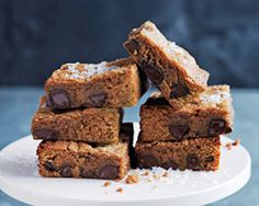 Donna Hay kitchen tools, homewares, books and baking mixes. Quick and easy dinner or decadent dessert - recipes for any occasion. Chocolate Caramel Slice, Caramel Tart, Chocolate Caramels, Chocolate Brownies, Chocolate Recipes, Gooey Brownies, Dessert Bread, Dessert Recipes, Desserts