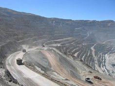 Chuquicamata Copper Mine – Chile 2  http://intradayfun.com/2011/01/10-world-biggest-holes-created-by-human-and-nature/