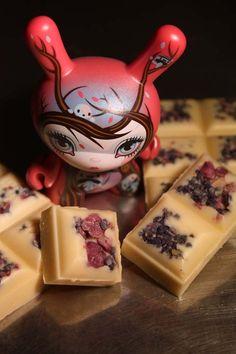 chocolat blanc aux violettes cristallisées