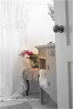 Petite Cottage Bathroom Makeover