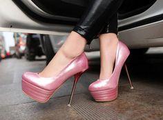 Как сохранить дольше лаковые туфли на высокой платформе