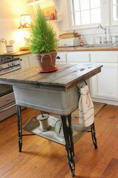 Vintage Kitchen 25 Flea Market Flip Ideas - Cheap DIY Furniture Makeovers - When you see the before photos, you'll hardly believe the afters are the same pieces. Rustic Kitchen Island, Diy Kitchen, Vintage Kitchen, Kitchen Decor, Vintage Wood, Design Kitchen, Vintage Style, Kitchen Ideas, Kitchen Country