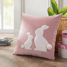 Applique Cushions, Sewing Pillows, Diy Pillows, Decorative Pillow Covers, Throw Pillow Covers, Easter Pillows, Cushion Cover Designs, Cushion Covers, Pillow Design