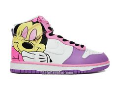 Nike Dunk Premium Sb Mens Sneakers Minnie Mouse com Mickey Mouse Shoes, Minnie Mouse, Cute Nike Shoes, Nike Free Shoes, Mens Nike Air, Nike Air Vapormax, Cartoon Shoes, Adidas Shoes Outlet, Shoes 2017