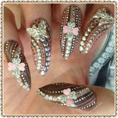 Instagram @rainbownailssalon1